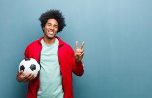 Jak obstawia się zakłady na piłkę nożną? Poradnik bukmacherski